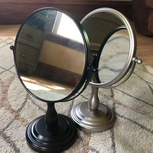 Double sided, circular, free standing table mirror